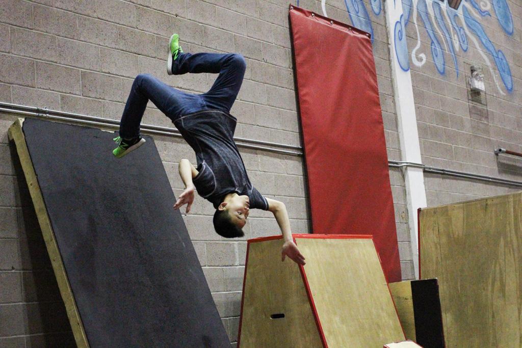 parkour wall flip - photo #35